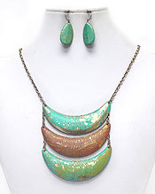 3 LAYER LINKED PATINA CRESCENT SHAPE NECKLACE SET