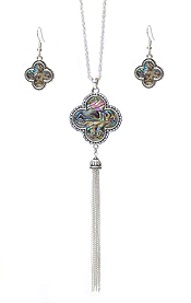 CRYSTAL AND ABALONE QUATREFOIL AND FINE CHAIN TASSEL DROP LONG NECKLACE SET