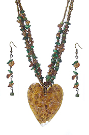 MURANO GLASS HEART AND CHIP STONE NECKLACE SET