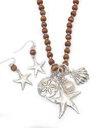 SEALIFE THEME WOOD BEAD NECKLACE SET