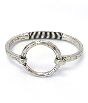 HAMMERED METAL HOOP FLEXIBLE METAL BANGLE BRACELET