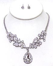 LINKED CRYSTALS WITH TEARDROP DROP NECKLACE SET
