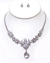 LINKED CRYSTALS WITH SINGLE CRYSTAL DROP NECKLACE SET