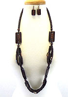 TRIBAL PATTERN WOODEN BEADS AND CHIP MIX LONG NECKLACE EARRING SET