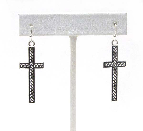 ROPE TEXTURED CROSS EARRING