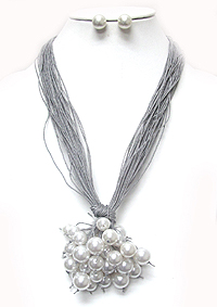 MULTI PEARL AND CORD CHAIN PULL TIE NECKLACE SET