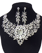 LUXURY CLASS VICTORIAN STYLE AND AUSTRIAN CRYSTAL FLOWER AND FACET GLASS PARTY NECKLACE SET