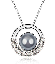 PEARL CENTER CRYSTAL PENDANT NECKLACE