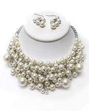 MULTI PEARL DANGLE BIB STYLE NECKLACE SET
