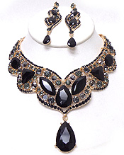 LUXURY CLASS VICTORIAN STYLE AND AUSTRIAN CRYSATL PARTY NECKLACE SET