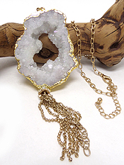 HANDMADE DRUZY AND SIDE GOLD PLATED AND TASSEL DROP LONG NECKLACE