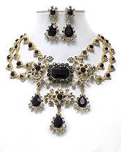 LUXURY CLASS VICTORIAN STYLE AND AUSTRIAN CRYSTAL AND FACET GLASS DROP PARTY STATEMENT NECKLACE EARRING SET