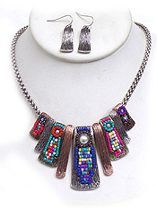 SEED BEAD AND SCRATCH BAR TRIBAL NECKLACE SET