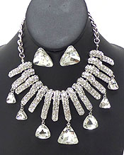 LUXURY CLASS VICTORIAN STYLE AND AUSTIRIAN CRYSTAL TRIANGLE DROP NECKLACE SET