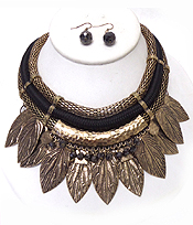 TUBE CHAIN AND ROPE METAL LEAVES DROP NECKLACE SET