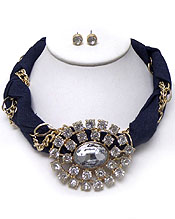 TWISTED DENIM PENDANT WITH CRYSTALS NECKACE SET