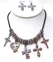 METAL CROSS AND HEARS NECKLACE SET