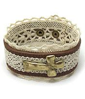 CROSS LEATHER LACE BUTTON BRACELET