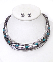 AZTEC PATTERN HALF CHOCKER AND THICK MESH CHAIN NECKLACE SET
