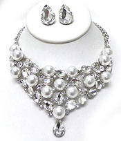 PEARLS AND CRYSTALS WITH SINGLE TEARDROP NECKLACE SET