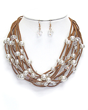 MULTI LEATHERETTE AND PEARL NECKLACE SET