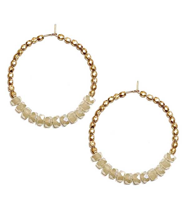 FACET STONE AND METAL SEEDBEAD HOOP EARRING