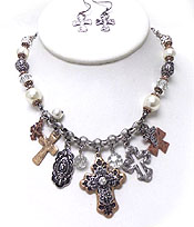 VINATAGE LOOK MULTI TEXTURED CROSS CHARM AND PEARL CHAIN NECKLACE SET