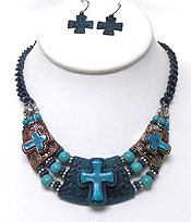 Wholesale Jewelry - VINATAGE LOOK MULTI TEXTURED CROSS CHARM AND PEARL CHAIN NECKLACE SET