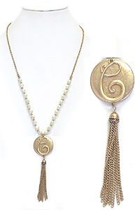 MONOGRAM PENDANT AND TASSEL DROP FRESH WATER PEARL CHAIN NECKLACE - C