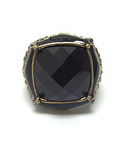 FACET SQUARE STONE AND METAL FILIGREE STRETCH RING