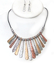 CHICOS STYLE VINTAGE METAL BAR NECKLACE SET