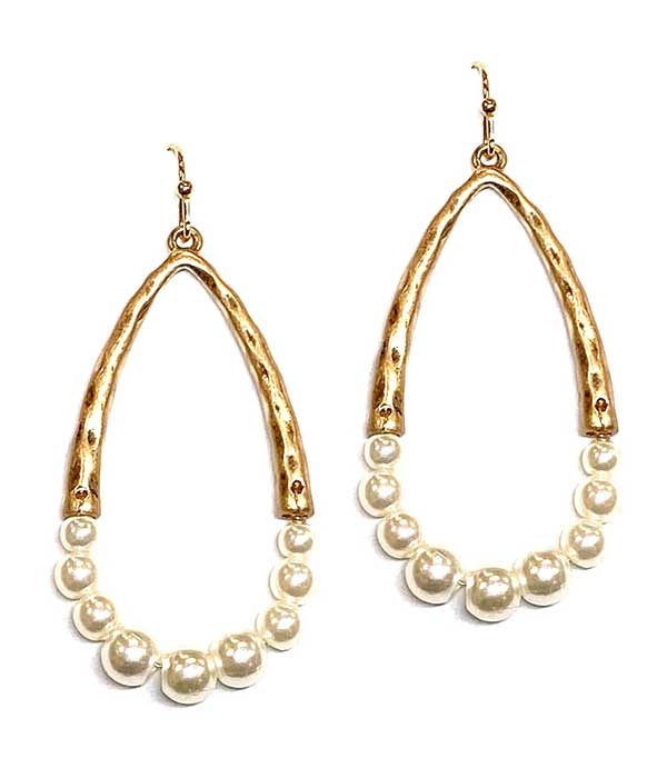 PEARL AND METAL TEARDROP EARRING
