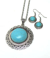 TURQUOISE STONE WITH TEXTURED METAL NECKLACE SET