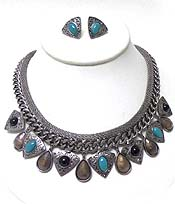 THREE LAYER METAL AND STONES NECKLACE SET