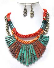 LAYER CORD WITH PATINA NECKLACE SET