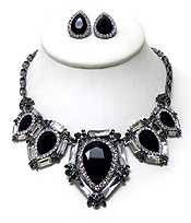 LUXURY CLASS VICTORIAN STYLE AND AUSTRALIAN CRYSTAL GLASS MULTI CLEAR CRYSTALS NECKLACE SET