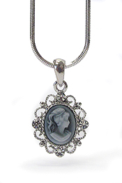 WHITEGOLD PLATING CAMEO PENDANT NECKLACE
