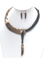 TEXTURED HALF METAL CHOCKER AND MULTI CHAIN NECKLACE SET