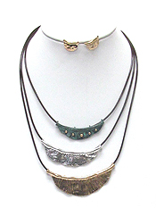 TEXTURED METAL 3 LAYER NECKLACE SET