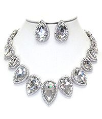 LUXURY CLASS VICTORIAN STYLE AUSTRIAN CRYSTAL AND GLASS CHUNKY PARTY NECKLACE SET