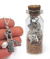 SEALIFE NECKLACE IN THE SEA SAND GLASS BOTTLE