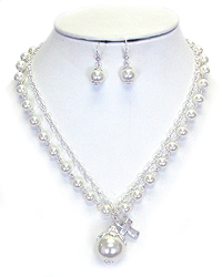 DOUBLE LAYER PEARL AND CROSS PENDANT NECKLACE SET