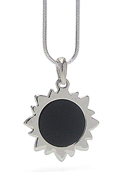 WHITEGOLD PLATING MOTHER OF PEARL SUN PENDANTS NECKLACE