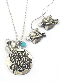 DISK PENDANT NECKLACE SET - BLESS YOUR HEART