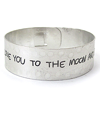 MESSAGE METAL ENGRAVED BANGLE BRACELET - I LOVE YOU TO THE MOON AND BACK