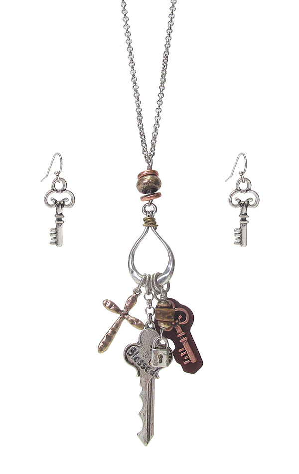 KEY AND CROSS CHARM PENDANT NECKLACE SET