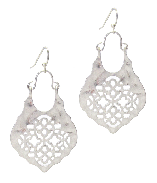 METAL FILIGREE EARRING