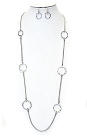 METAL RING LINK LONG STATION NECKLACE SET